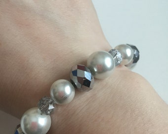 Faux pearl and Silver Mirrored Bracelet