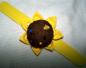 Wrist Pin Cushion Bee
