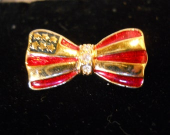 "VINTAGE PATRIOTIC - ""Bow Tie"" Pin"