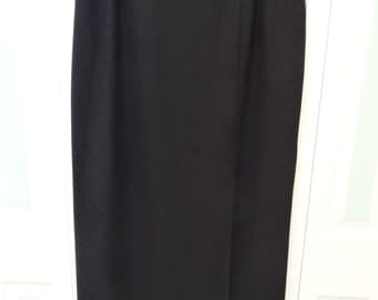 Long Black Crepe Evening Skirt,ADRIANNA  PAPELL BOUTIQUE, size 18 w, skirt with slit, travel wear ,circa 1990s