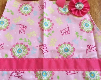 Kitchen apron, reversible apron, reversible apron for women, adult apron, craft apron, apron for women, green and pink adult kitchen apron