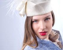 Elegant white pillbox, bridal pillbox hat, Tea party pillbox, Kate Middleton hat, Wedding pillbox hat, wedding guest hat, Big bow pillbox