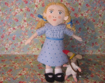 Lucy Pevensie and Reepicheep - Doll and Mouse