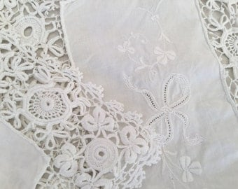 1950's  Deep Lace Linen Tray Cloth 39cm by 29cm