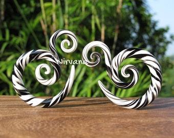 "Black & White Free Style Amanda Spirals Glass 6g 4g 2g 0g 00g 7/16"" 1/2"" 9/16"" 5/8"" 4 mm 5 mm 6 mm 8 mm 10 mm - 16 mm"