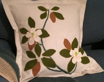APPLIQUE EMBROIDERY KIT Magnolia Cushion Kit pure wool, pure wool applique kit, diy gift,