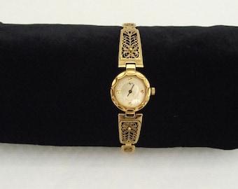Russian\ Soviet Vintage Ladies Wrist Watch  Luch, Small Ladies Mechanical Watch
