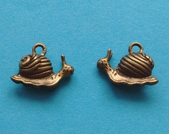 10 Snail Charms Bronze - CB2227