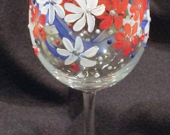 Indepence Day Glass. 4th of July Wine Glass. Red White and Blue Wine Glass.  Patriotic Wine Glass. Hand Painted Wine Glass.