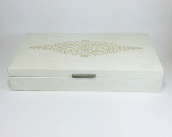 Vintage jewelry box, ivory jelery box with compartments, from the 1960s