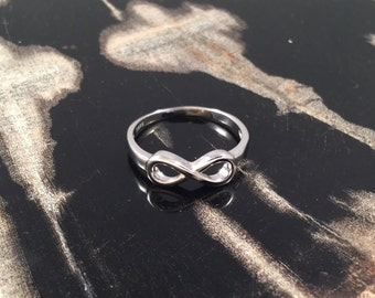 Infinity Ring, Silver Infinity Ring, Simple Stackable Ring, Sterling Silver Minimalist Infinity Friendship Ring