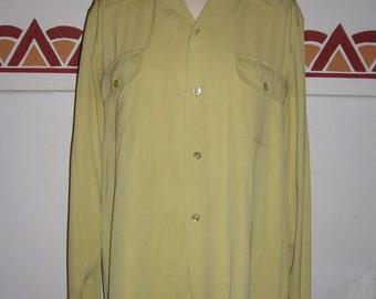 1940s Vintage Men's Gabardine shirt,Avocado, Loop, Flap pockets, Pointed Collar, Large, label Noriville