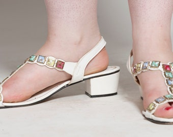 Vintage 1960s White Jeweled Sandals - Signals by Beacon Gladiator Shoes - Summer Fashions Size 8 M