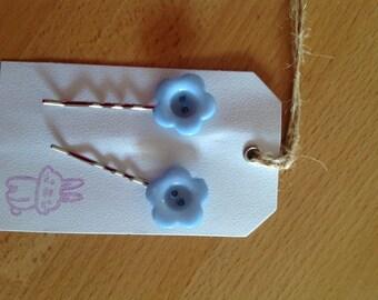 Blue flower bobby pins