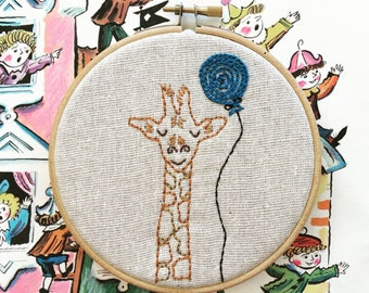 embroidery kit // Jarrod giraffe - hand embroidery kit