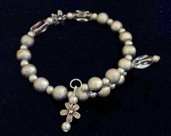 Beautiful Silvered Beaded Memory Wire Bracelet (I 436)