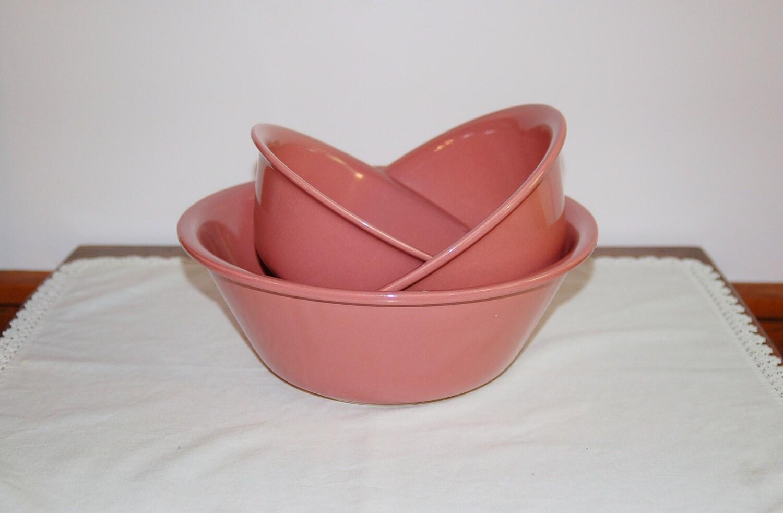 pink ceramic mixing bowls set of 3 vintage mauve alamo. Black Bedroom Furniture Sets. Home Design Ideas
