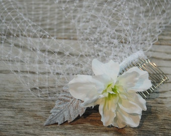 White Flower Wedding Veil - Vintage Birdcage Veil - White Flower Veil - Mini Veil - Vintage Wedding Veil - White Blusher Veil