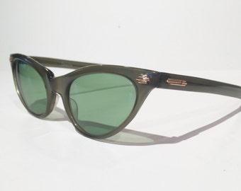Vintage 1960s Green Selecta Cateye Sunglasses, Shiny Green Sunglasses, Made in France Green Cat Eye Sunglasses 1950s Green Cateye Sunglasses