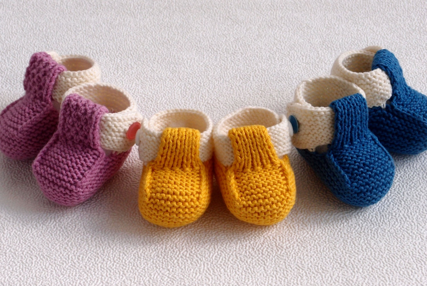 Knitting Baby Shoes : Hand knit baby booties new shoes crib knitted