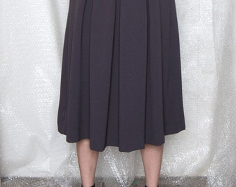 40% off Grey midi skirt with pockets, pleated midi skirt, high waisted pleated skirt, high waisted skirt, flowy skirt