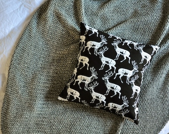 Deer Stag Cushion Cover, Throw Pillow Cover, Throw Cushion Cover, Decorative Cushion Cover, Decorative Pillow Cover - Black & White