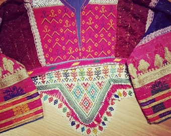 Bolero old Afghan ethnic, Fuchsia pink and beads at the base triangle.