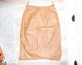 Size 40 leather skirt