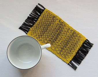 Rug Under Mug GOLDEN - BLACK