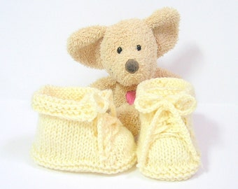 Hand knitted ivory baby booties size 0/3 months Tricotmuse©