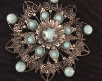 Sale!! Gorgeous Vintage Brooch!