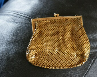 Vintage Gold Tone Small Chain Mail Mesh 1950's Coin Purse Small Evening Bag BT-363