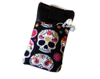 iPhone 6 case skull in black / iPhone 6s Plus Pouch / iPhone 5 Case / iPhone 4S / iPod Touch 6g pouch /  cell phone pouch  pockets