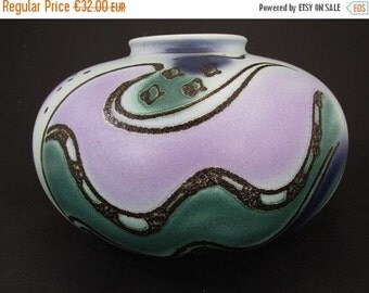 ON SALE Beautiful vintage vase / Bay / 690 16   West German Pottery   60s