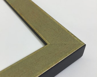 Green / Gold Picture Frame - 8x10 - Gold Scoop Wedge Picture Frame, With Glass and Easel Backing -  Green / Gold 8x10 Picture Frame