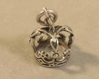 Sterling Silver 3-D KINGS CROWN Charm Pendant .925 Sterling Silver Queen Prince Princess Full Royalty Royal New du65