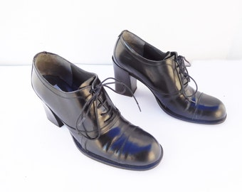 Charles David lace up heel shoes size 7.5