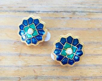 Vintage MMA Museum of Modern Art replica cloisonne enamel earrings clip on gold tone green blue pearl chinoiserie Asian Thai Chinese flower