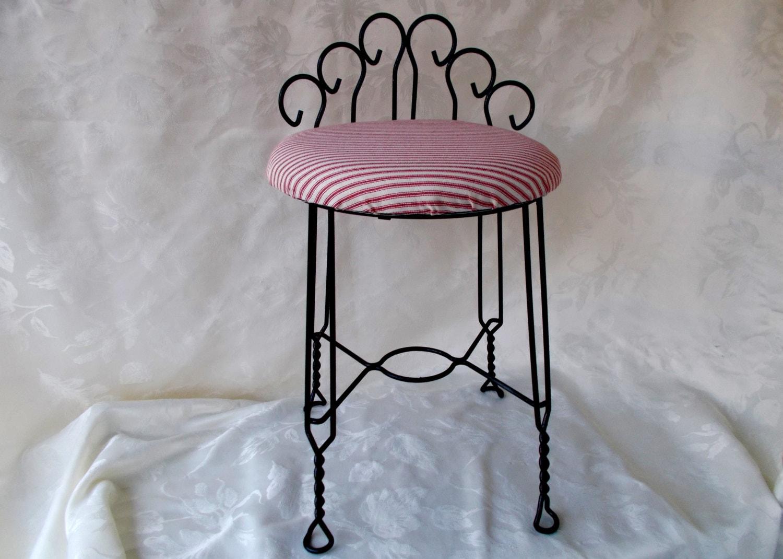 Mid Century Hollywood Regency Scrolled Metal Vanity Chair