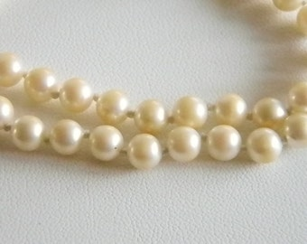 Single Strand Off White Pearl Necklace