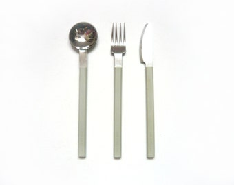 CONCORDE grey cutlery set . AIR FRANCE . Designed by Raymond Loewy . Metal and plastic . Vintage 1970s