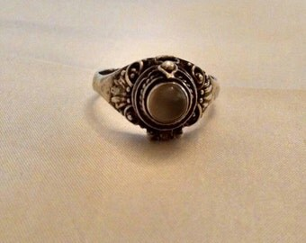 Awesome Vintage 925 Sterling Silver Poison Ring, With Latched Hidden Compartment