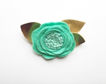 Single felt flower hair clip/ alligator clip/ toddlee hair clip