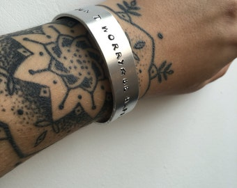 Customizable aluminum bracelet