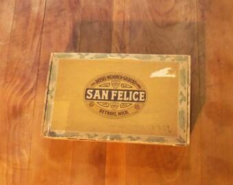 San Felice Cigar Box Deisel-Wemmer-Gilbert Corp. Detroit, Mich San Felice Panetelas 1940's