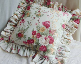 Pillow with roses