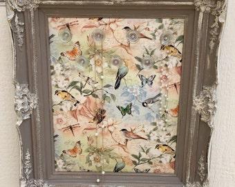 Taupe Vintage Bird