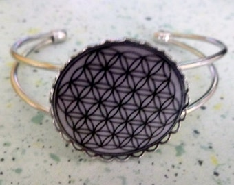 Flower of life bracelet silvery metal