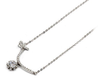 Elegant crystal silver clavicle necklace