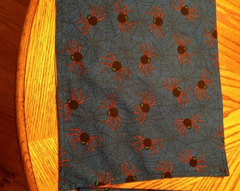 Halloween placemat and napkin set, spider, blue